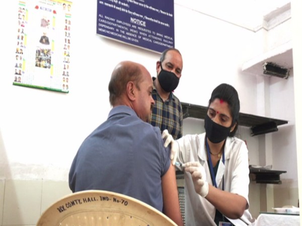 Railway employees receive Covid-19 vaccine in Indore