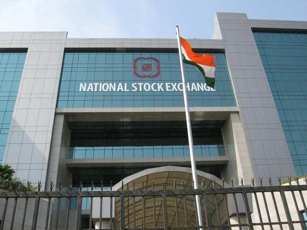 Metal stocks push up Sensex by 579 points