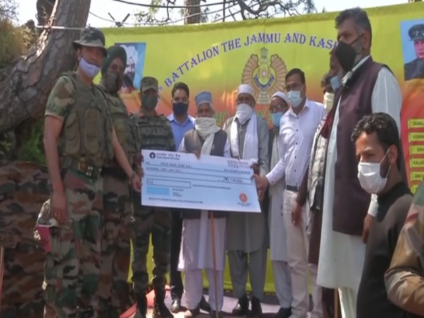 Indian Army donates Rs 1 lakh for pucca shade to Dargah in Poonch