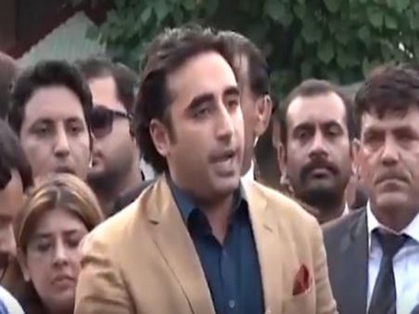 Hike in prices of essential goods shows Imran Khan govt's incompetence, says Bilawal
