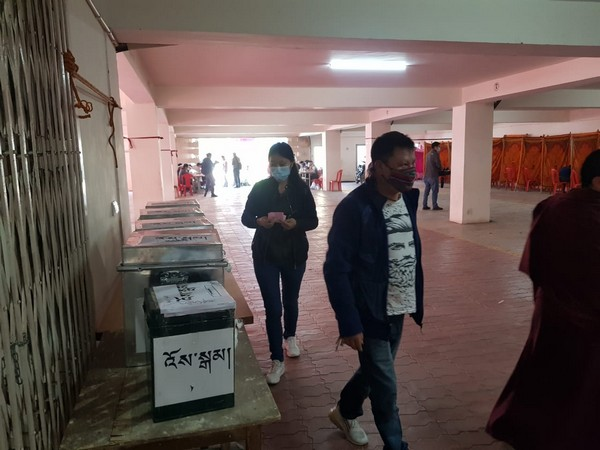 Voting begins for final phase of elections for Sikyong, Tibetan Parliament in-exile
