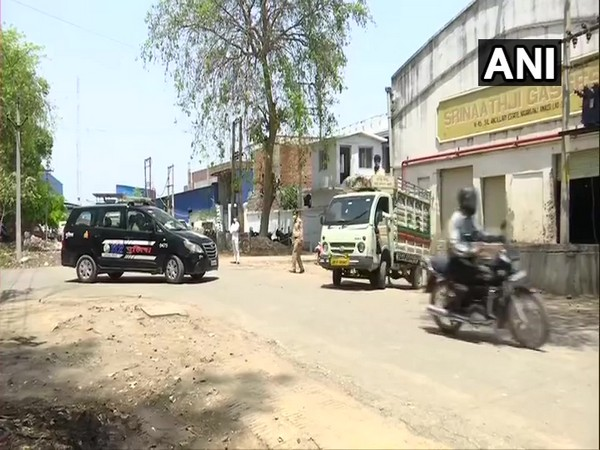 Oxygen being supplied to Lucknow hospitals under police protection