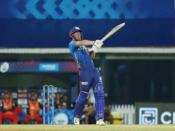 IPL 2021: Shoulder niggle reason behind Hardik not bowling, says Lynn
