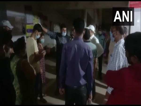 Kin of diseased covid patient vandalise hospital in Bihar's Bhagalpur; allege negligence