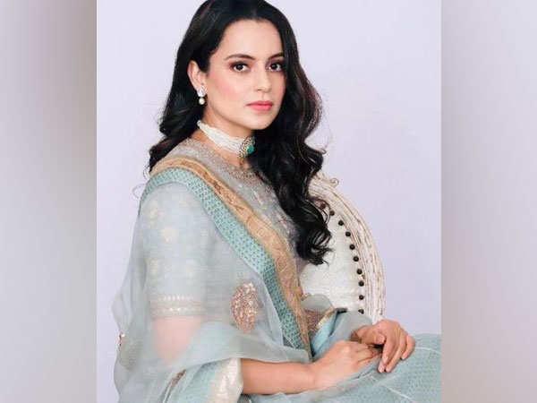 Kangana Ranaut celebrates 15 years in Bollywood, pens down heart felt note