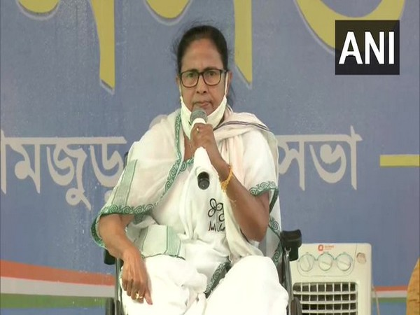 Mamata Banerjee challenges EC notice, says she will continue to ask people to vote unitedly against BJP