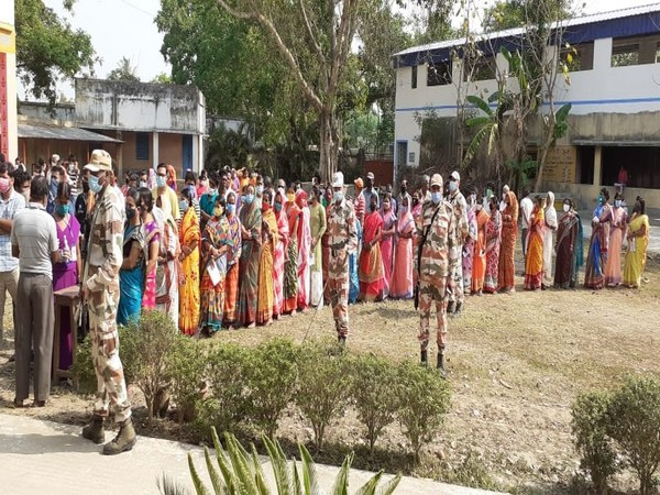 West Bengal polls: 36.02 pc voter turnout till 11.30 am in Phase-V
