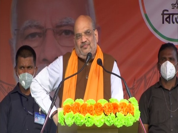 Amit Shah promises welfare fund for refugees, for girls free education, travel