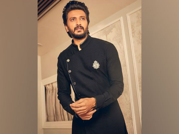 Riteish Deshmukh urges fans to wear masks amid second wave of COVID-19