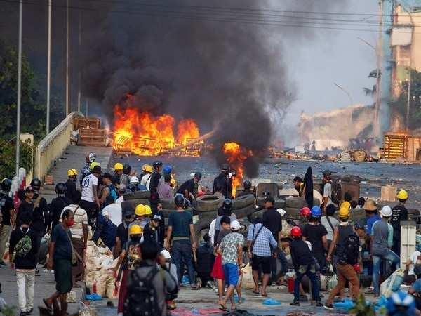 Myanmar: Local offical shot dead after bombings in Yangon