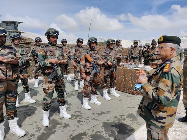 Army chief reviews security along LoC in Kashmir