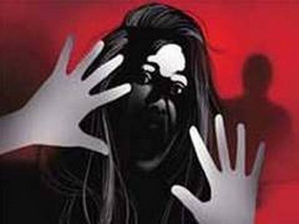Brothers held for thrashing sister with hammer, helmet in Pakistan's Peshawar
