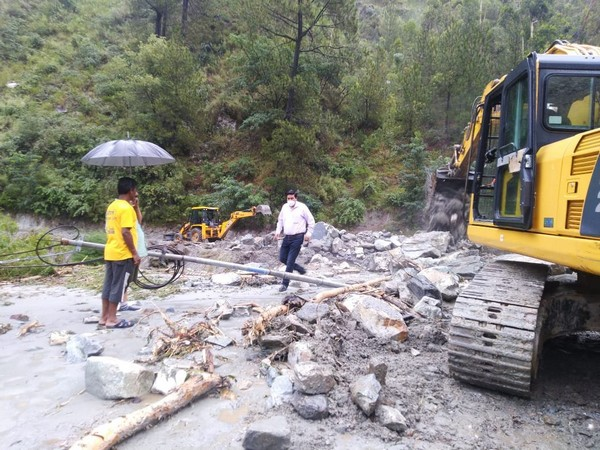 National Highway blocked near Rampur area of Shimla following heavy rainfall
