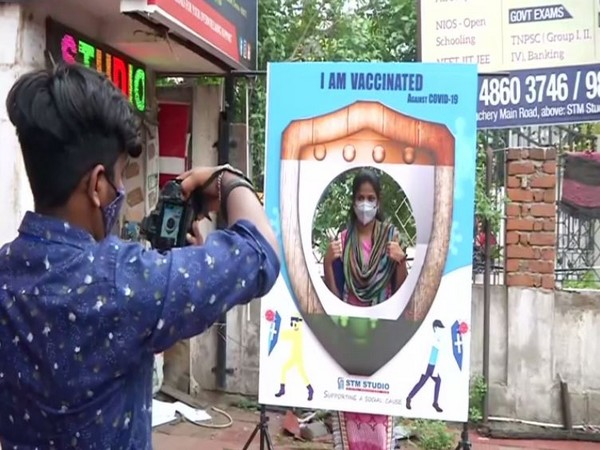 Chennai studio clicks free photographs of those vaccinated against COVID-19