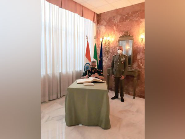Army Chief Naravane discusses bilateral defence cooperation with Italian Defence Minister
