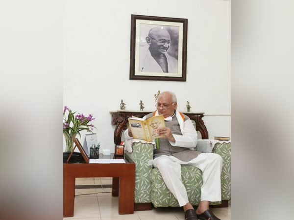 Kerala Governor begins protest fast against dowry