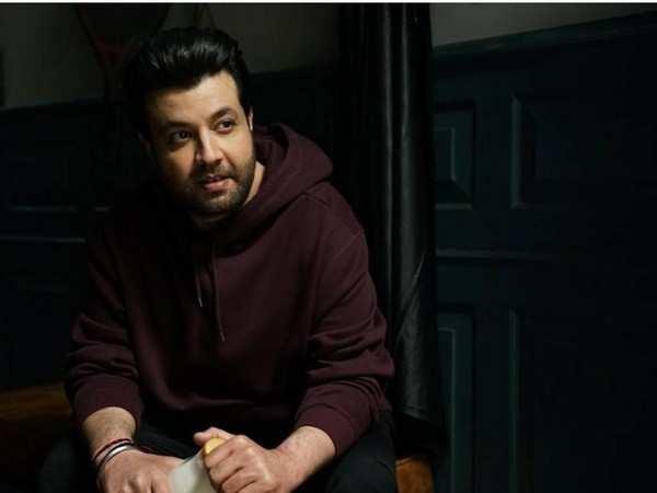 'Fukrey' fame actor Varun Sharma expresses views on long-distance relationship