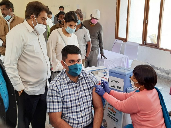 Over 38.54 crore COVID-19 vaccine doses provided to States, UTs