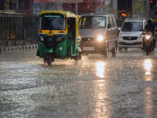 IMD predicts rain in parts of Delhi-NCR in next 2 hrs