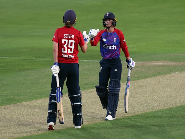 Danielle Wyatt steers England to T20I series win over India