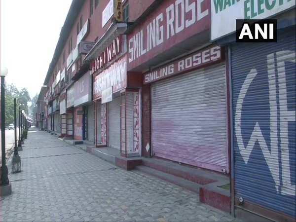 Delhi's Lajpat Nagar market shut for flouting COVID-19 norms