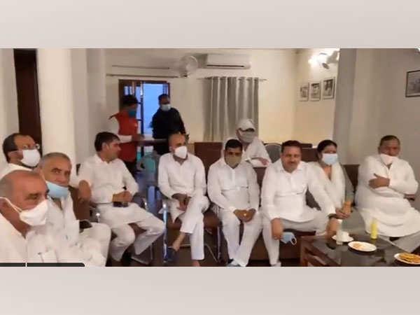 Haryana Congress MLAs meets former CM Hooda
