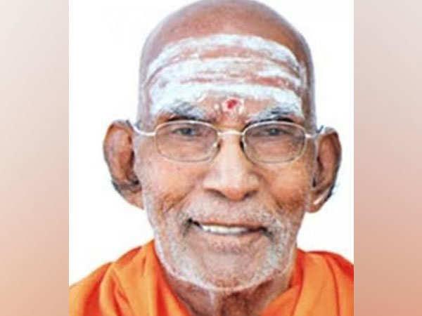 Kerala CM condoles demise of former chief of Sivagiri Mutt, Swami Prakashananda