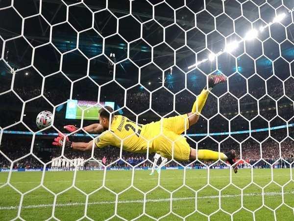 Euro Cup: Italy goalkeeper Gianluigi Donnarumma named player of the tournament