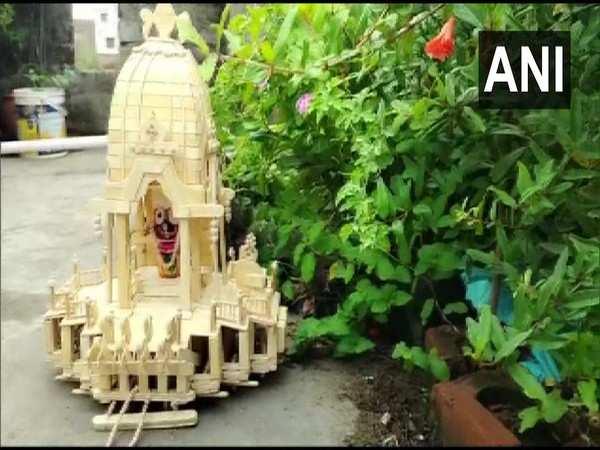 Odisha artist creates miniature chariot of Lord Jagannath with ice cream sticks