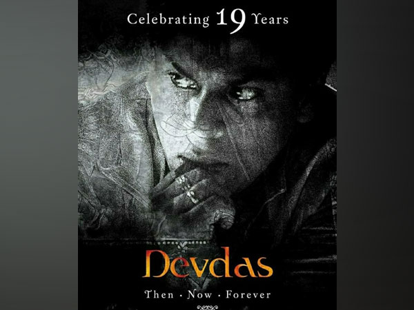 As 'Devdas' turns 19, SRK shares a funny 'dhoti' anecdote