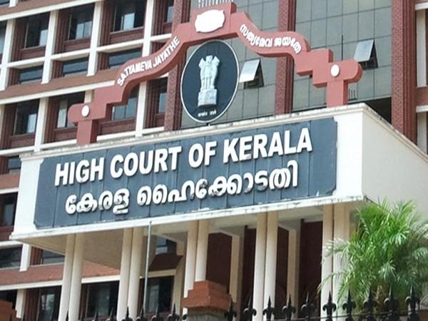 Kerala HC slams govt for poor crowd control amid COVID